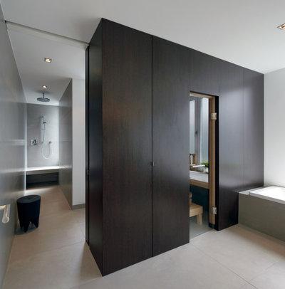 Minimalistisch Badezimmer by Ewen Architektur Innenarchitektur