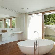 Contemporary Bathroom by Markus Mucha