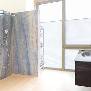 Salle de bain avec du carrelage en marbre Allemagne : Photos et ...