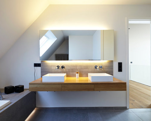 skandinavische badezimmer mit grauen fliesen ideen design bilder houzz. Black Bedroom Furniture Sets. Home Design Ideas