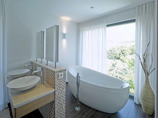 Modern Badezimmer by Rosenberger + Neidhardt
