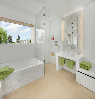 Contemporary Bathroom by be_planen Architektur GmbH