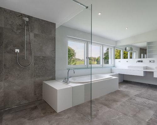 Badezimmer mit aufsatzwaschbecken und steinplatten ideen design beispiele - Badezimmer stuttgart ...