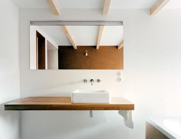 Minimalistisch Badezimmer by JAN RÖSLER ARCHITEKTEN