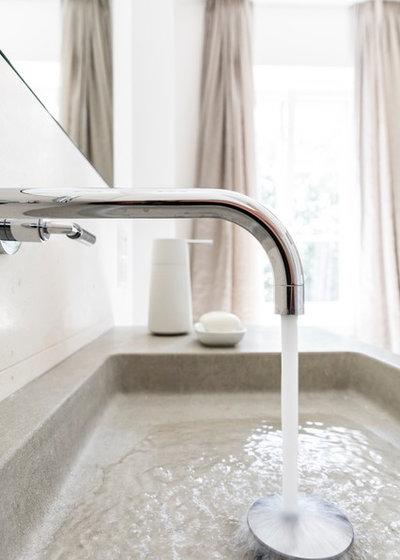 Minimalistisch Badezimmer by Rolf Kirchgäßner GmbH