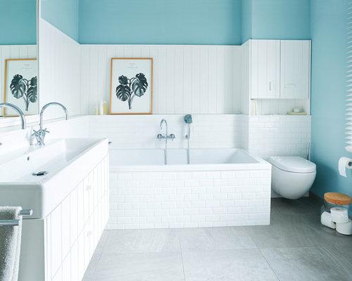 Landhausstil Badezimmer mit Einbaubadewanne Ideen, Design & Bilder ...