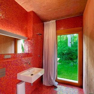 Salle de bain avec un carrelage rouge Allemagne : Photos et idées ...