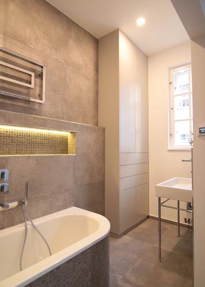 Modern Badezimmer by Schrankidee Peter Dany GmbH