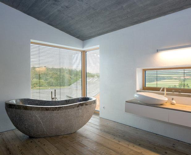 Modern Badezimmer by Fabi Architekten BDA