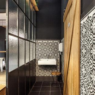Salle de bain avec un carrelage noir et blanc Berlin : Photos et ...