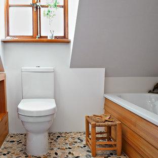 Salle de bain avec un sol en galet Hambourg : Photos et idées déco ...