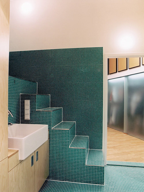 mediterrane badezimmer ideen f r die badgestaltung houzz. Black Bedroom Furniture Sets. Home Design Ideas