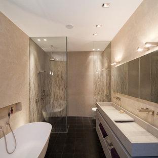 Salle de bain avec une douche ouverte Cologne : Photos et ...
