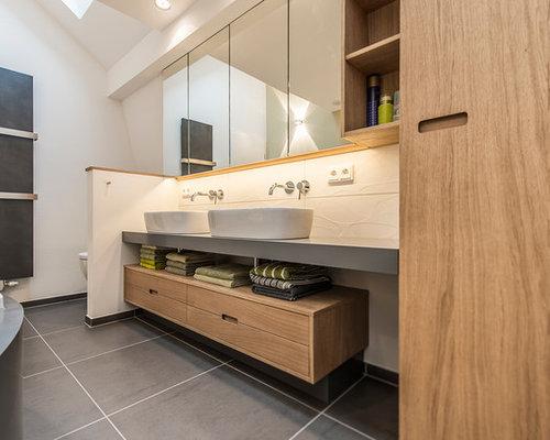 badezimmer mit vinyl boden und bodengleicher dusche design ideen beispiele f r die badgestaltung. Black Bedroom Furniture Sets. Home Design Ideas