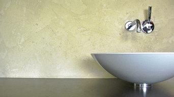 Moderne Rückwandgestaltung im Badezimmer