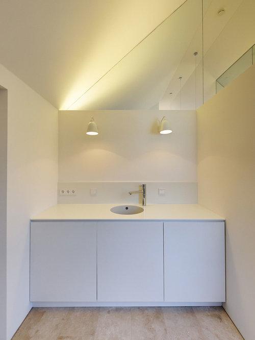 moderne badezimmer mit travertin boden ideen beispiele. Black Bedroom Furniture Sets. Home Design Ideas
