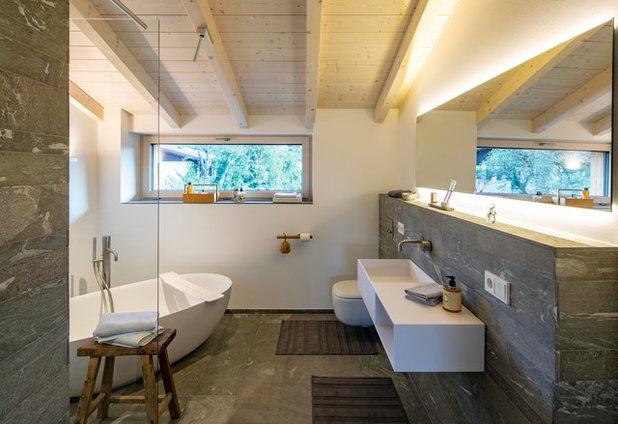 Modern Badezimmer by Lebensraum Holz