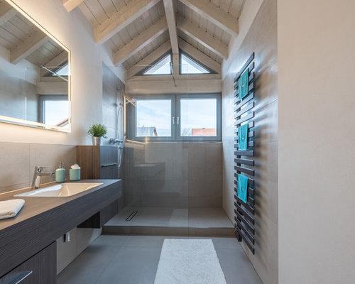 Badezimmer mit nasszelle und zementfliesen ideen design bilder houzz - Zementfliesen dusche ...