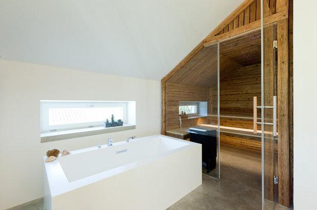 Modern Badezimmer by Krauss . Gestaltet