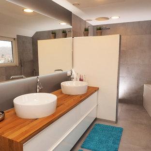 Salle de bain avec des carreaux de béton Stuttgart : Photos ...