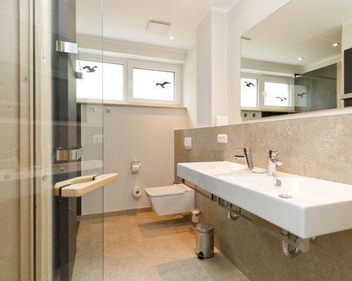 Badezimmer mit travertin boden ideen f r die badgestaltung - Fliesenfarbe boden ...