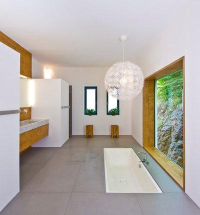 Minimalistisch Badezimmer by wagner+