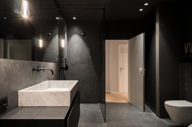 Minimalistisch Badezimmer by JOSHUA LUX