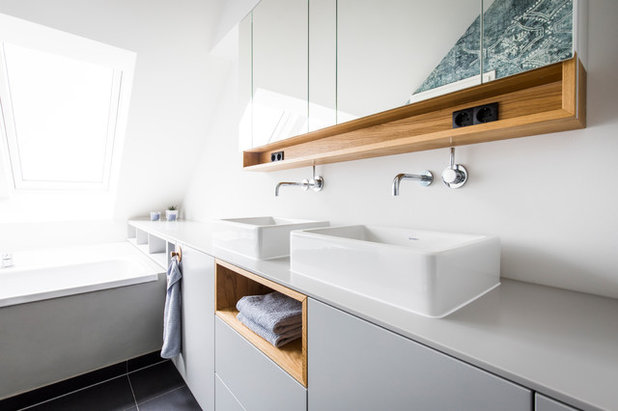 Skandinavisch Badezimmer by BESPOKE Interior Design & Production