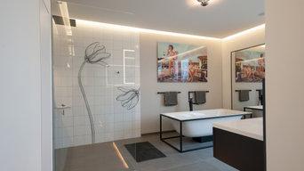 Penthouse Master Bad mit freistehender Badewanne und bodenebener Dusche
