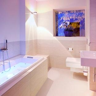 Выдающиеся фото от архитекторов и дизайнеров интерьера: ванная комната в современном стиле