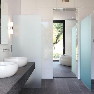 Modelo de cuarto de baño contemporáneo c649c1a5383e