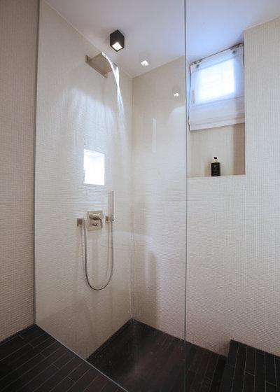 Modern Badezimmer by GROSSHAUSER architekten bda