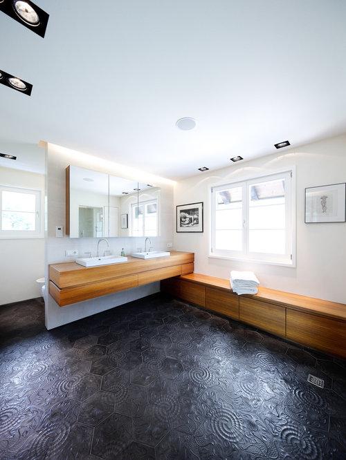 Sanierung gr nderzeit villa for Badezimmer fliesen streichen