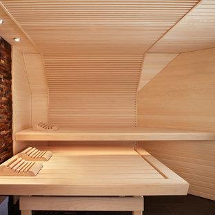 Modernes Badezimmer Mit Sauna In Sonstige