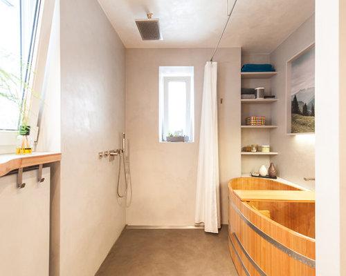 nasszelle modernes badezimmer en suite mit japanischer badewanne grauer wandfarbe und offener dusche in nasszellen fur wohnmobile