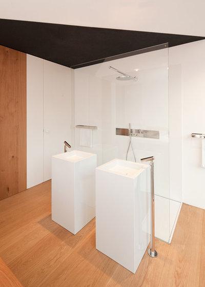 Contemporaneo Stanza da Bagno by Fabi Architekten BDA