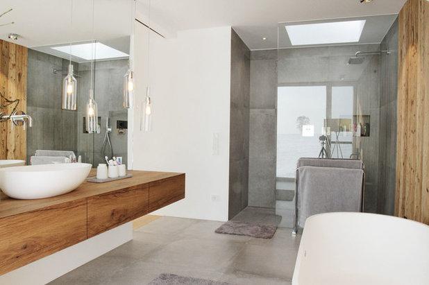 Modern Badezimmer by Fußner-Kühne Architekten