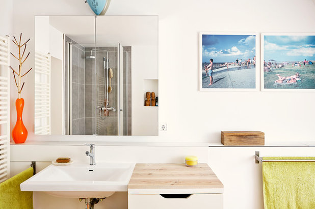 Contemporary Bathroom by Nina Struve Photography