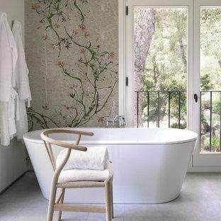 Salle de bain avec un combiné douche/baignoire Cologne : Photos et ...