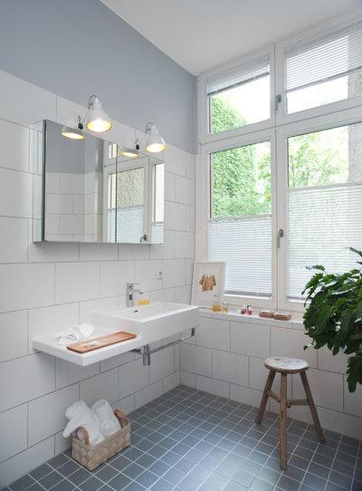 Contemporáneo Cuarto de baño by VINTAGENCY