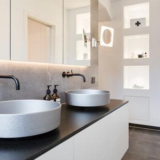 Salle de bain avec un carrelage beige Essen : Photos et idées déco ...