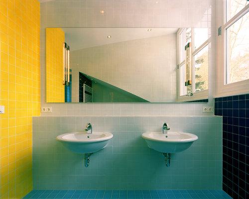 badezimmer mit wandwaschbecken und gelben fliesen ideen beispiele f r die badgestaltung houzz. Black Bedroom Furniture Sets. Home Design Ideas
