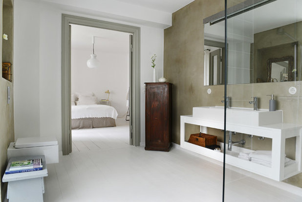 Scandinavian Bathroom by Studio Swen Burgheim