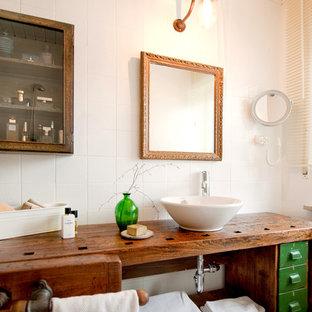 Inspiration för ett litet eklektiskt badrum