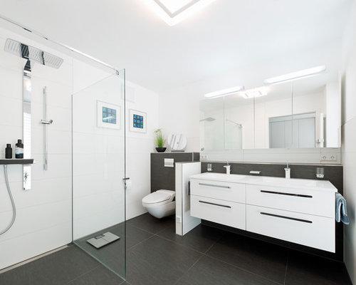 badezimmer mit bodengleicher dusche und steinplatten ideen f r die badgestaltung houzz. Black Bedroom Furniture Sets. Home Design Ideas