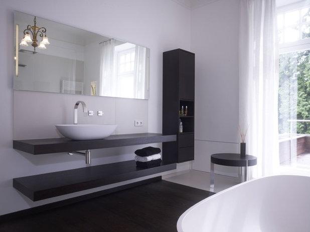 Modern Badezimmer by ultramarin - raum fliese bad