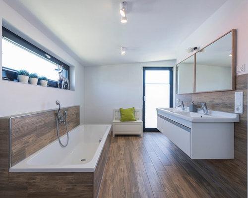 badezimmer mit braunem holzboden ideen beispiele f r die badgestaltung houzz. Black Bedroom Furniture Sets. Home Design Ideas