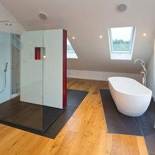 Wellnessbad mir großer Dusche ohne Fliesen - Modern ...