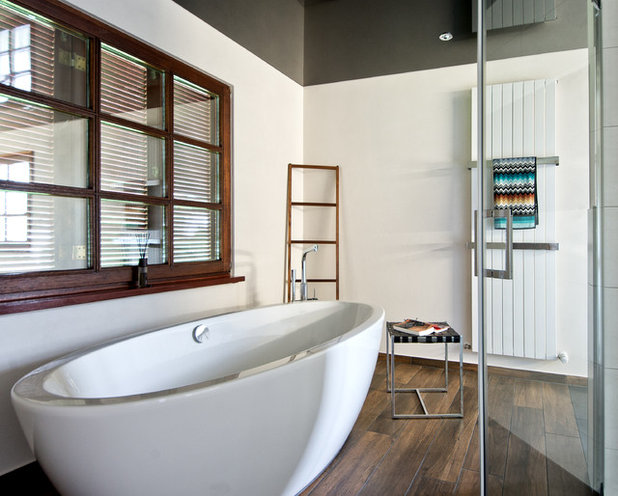 Modern Badezimmer by Kreuz bad&heizung