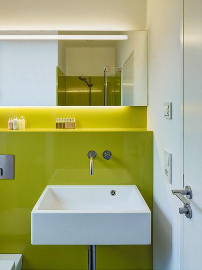 Modern Badezimmer by Lore Wolfertz